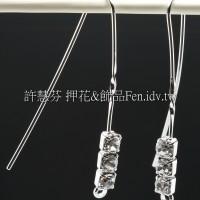 單孔3個晶鑽修長耳勾正白-1對