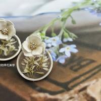 白雪-灌膠押花植物耳環