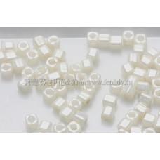 1.5mm方管日本珠-不透明亮彩米白色-5g