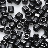 1.5mm方管日本珠-不透明黑色-5g
