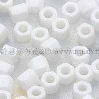 3mm方管日本珠不透明彩虹雪白色--10g