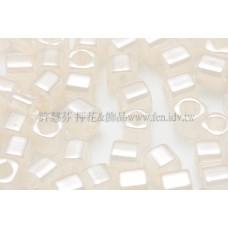3mm方管日本珠斯里蘭卡珠光象牙白色--10g