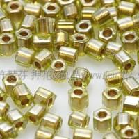 2mm短管日本珠翠綠橄欖內鑲金色10g