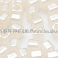2mm短管日本珠不透明亮光雪白色10g